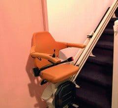 monte personne escalier droit ©flickr