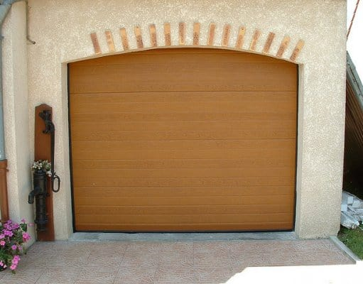porte de garage en bois ©flirck