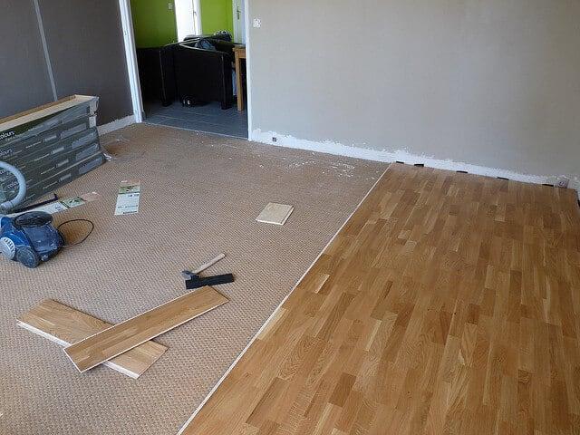 quel prix pose parquet pour chez moi nos conseils. Black Bedroom Furniture Sets. Home Design Ideas