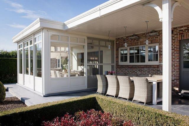 pose veranda