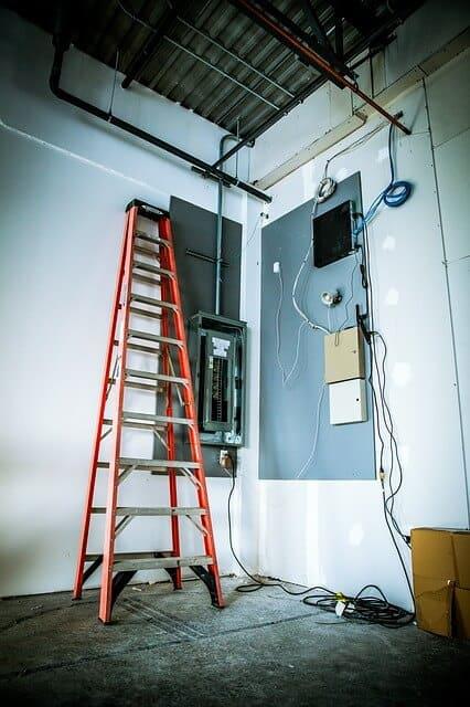 Comment se fait le contrôle de la ligne électrique?